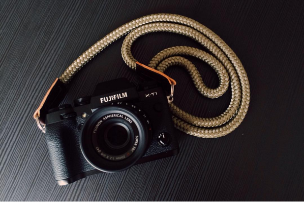 Fujifilm X-T1 and LT.Olive camera handmade strap from sailor strap.