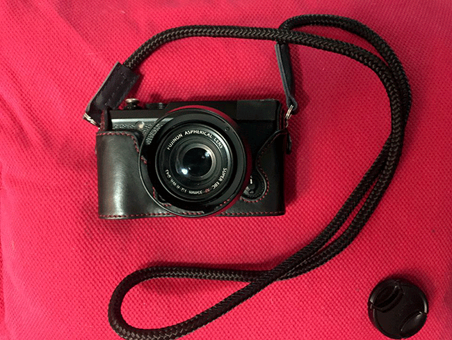 Fujifilm XE2 with handmade neck strap by sailor strap