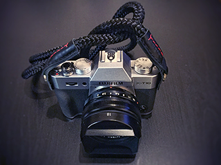 Fujifilm X-T10equipped with a nadmade camera strap from sailor strap