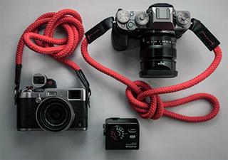 fujifilm xt1 equipped with our red El Capitan strap, made from a red sailing rope and navy blue leather with a navy blue and red stitching, fujifilm x100t, xt1, x100t